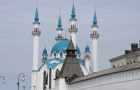 kazan-kraml-i-minarety-mecheti