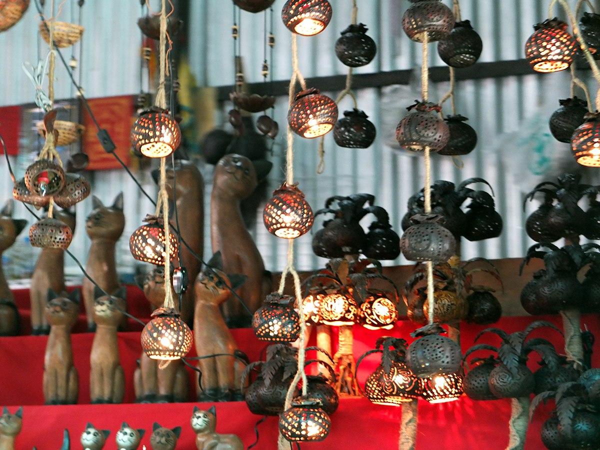 Местный талисман - тайская кошка