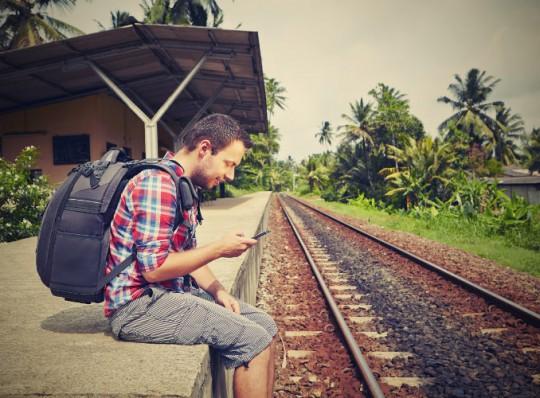 Как сэкономить на звонках и интернете за границей?